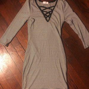 FULL TILT Black and white stripped dress XS
